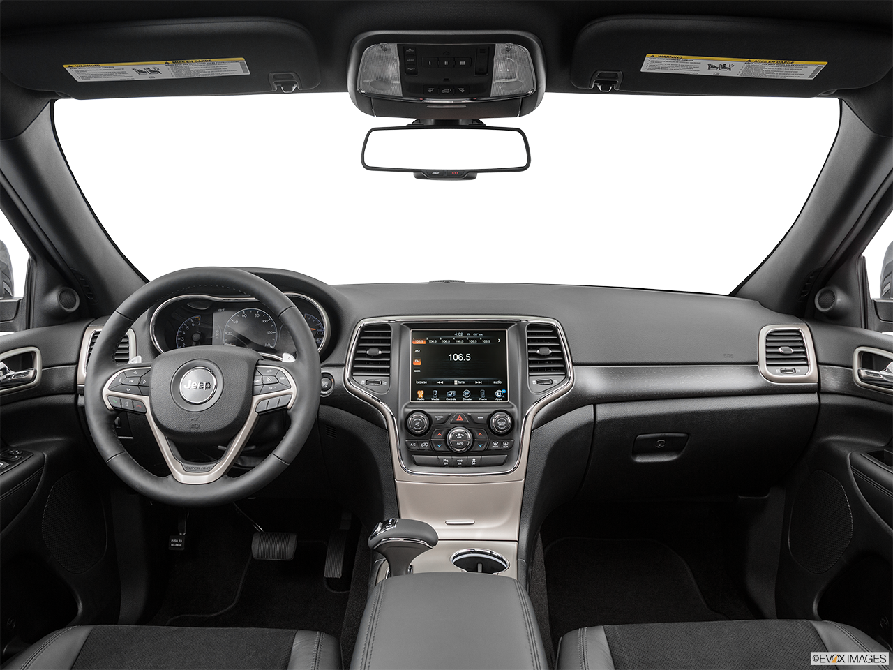 Interior View Of 2015 Jeep Grand Cherokee in Huntington Beach