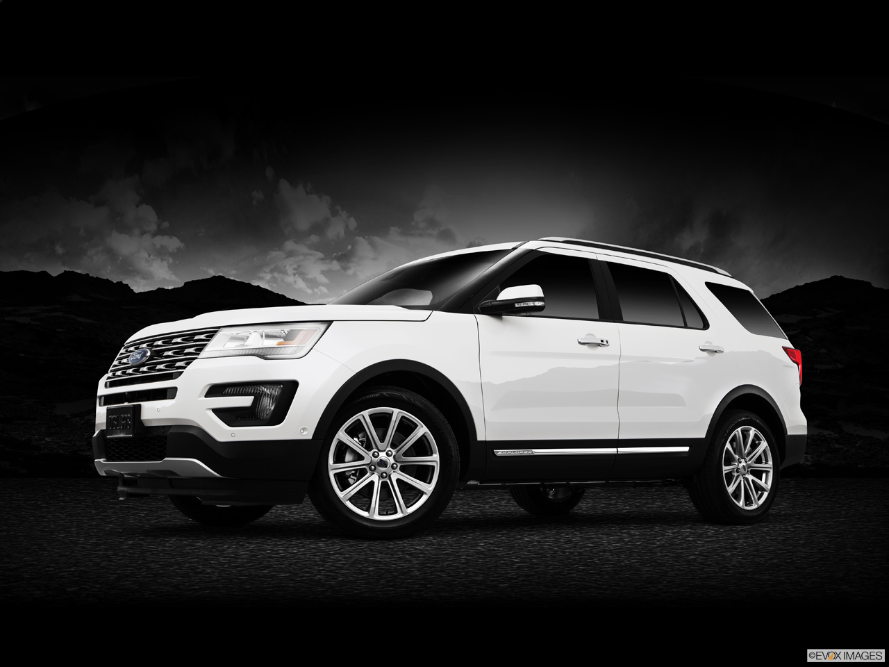 Exterior View Of 2016 Ford Explorer in Huntington Beach