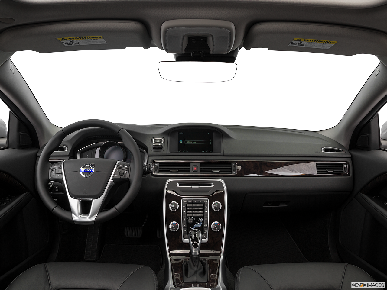 Interior View Of 2016 Volvo XC70 in Los Angeles