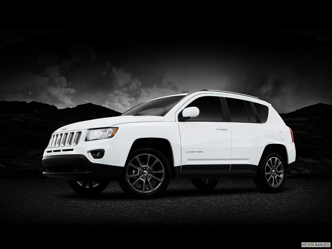Exterior View Of 2016 Jeep Compass in Tracy