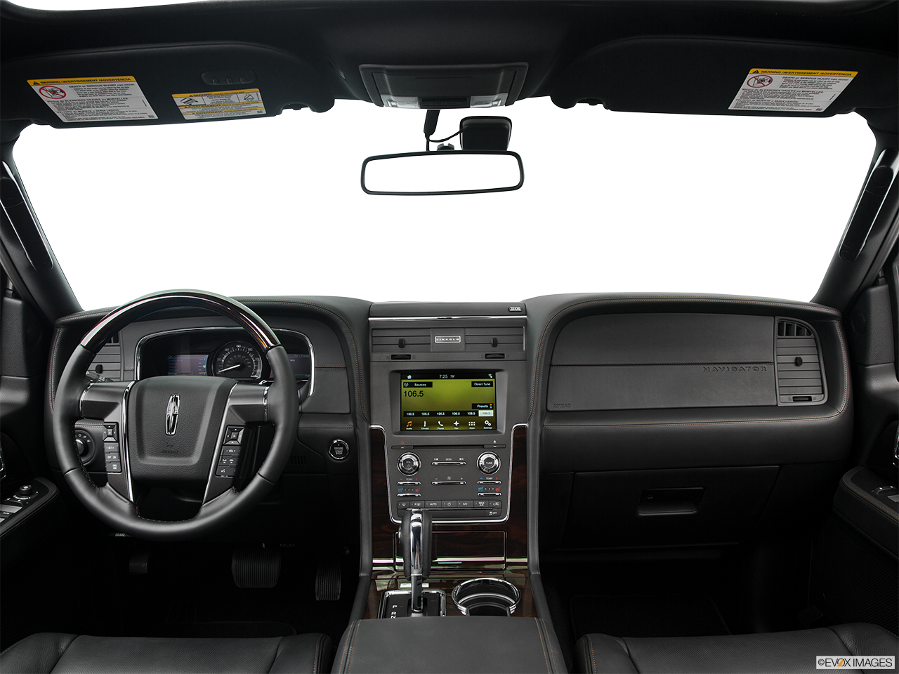 Interior View Of 2016 Lincoln Navigator in Los Angeles