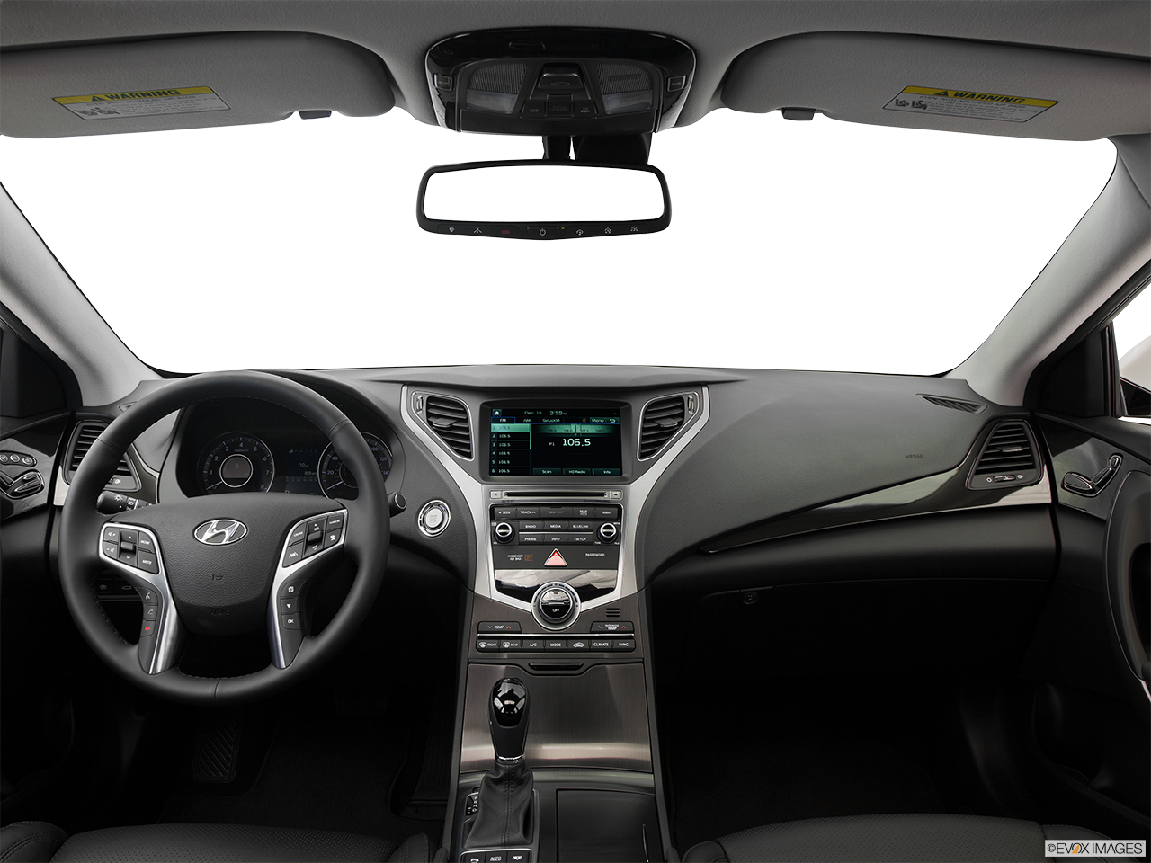 Interior View Of 2016 Hyundai Azera in Tracy