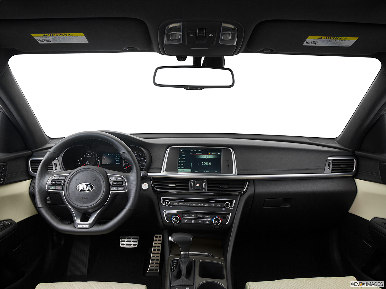 Interior view of 2017 kia k900 at kia cerritos
