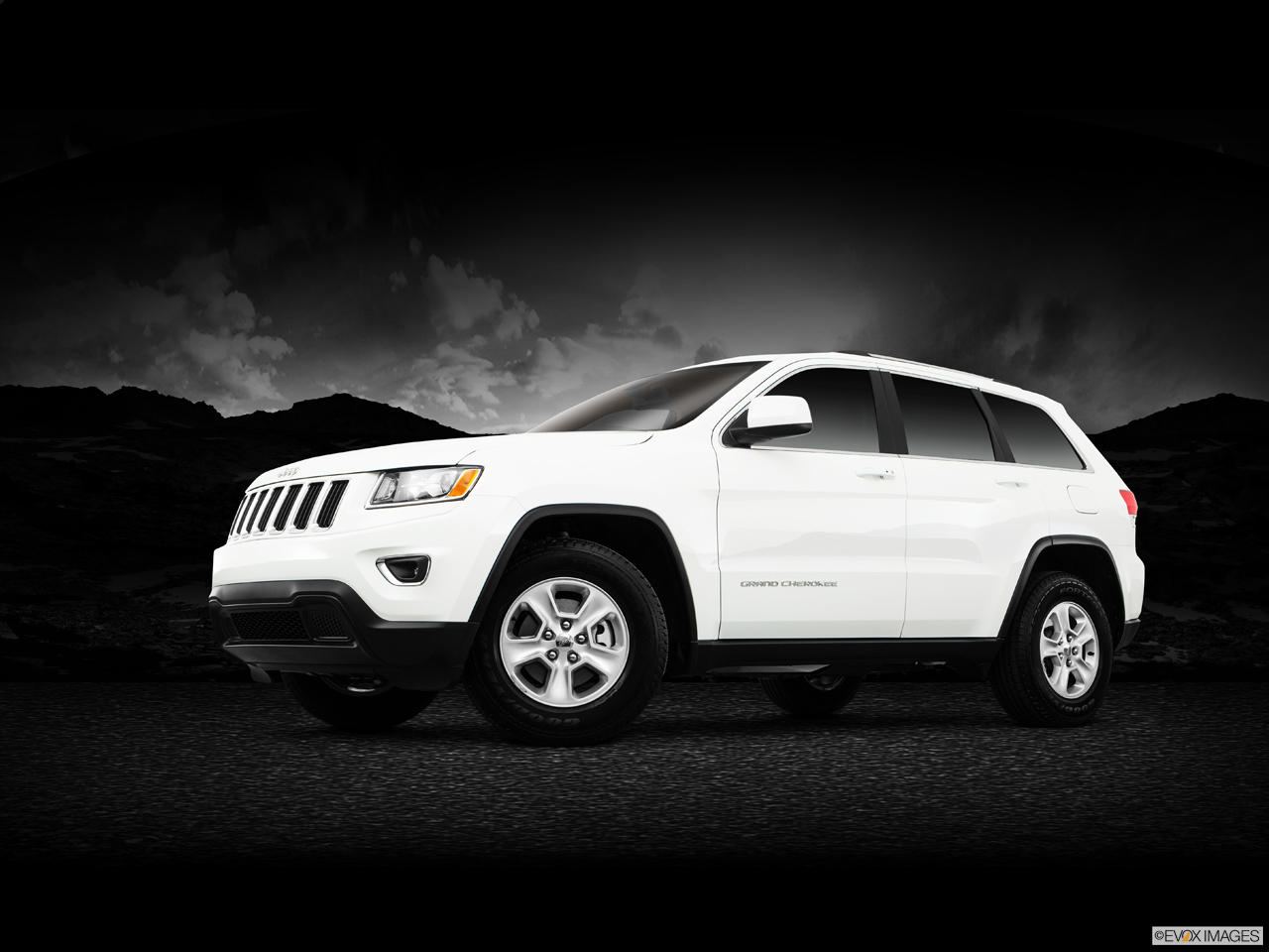 Exterior View Of 2016 Jeep Grand Cherokee in Cherry Hill