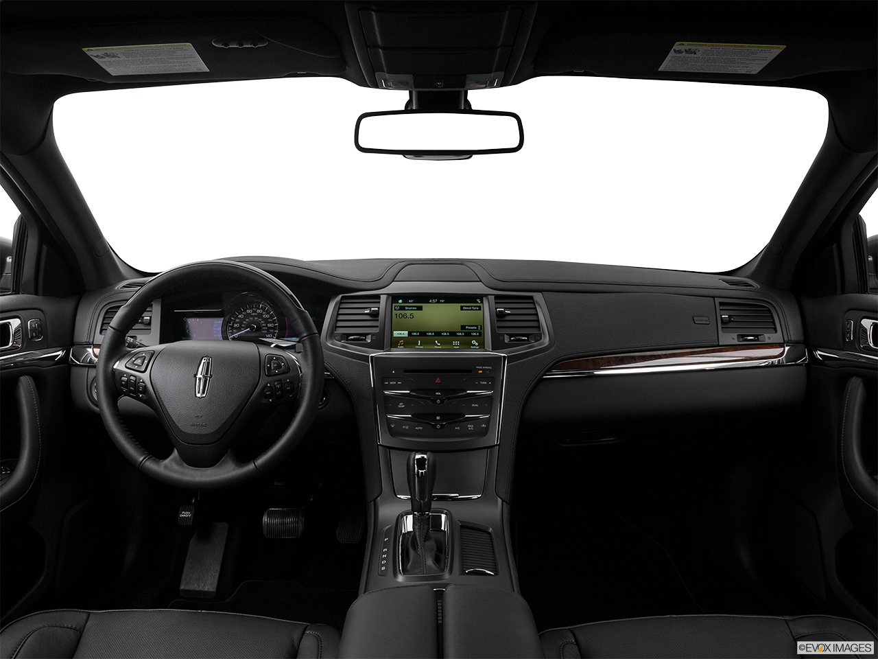 Interior View Of 2016 Lincoln MKS in Los Angeles