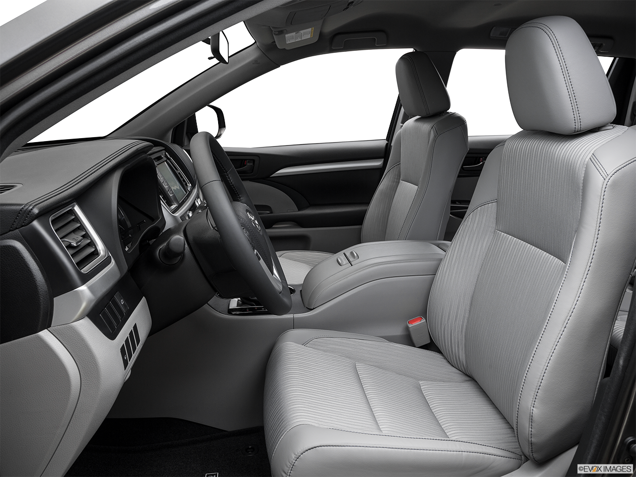 Research The 2016 Toyota Highlander in Madera