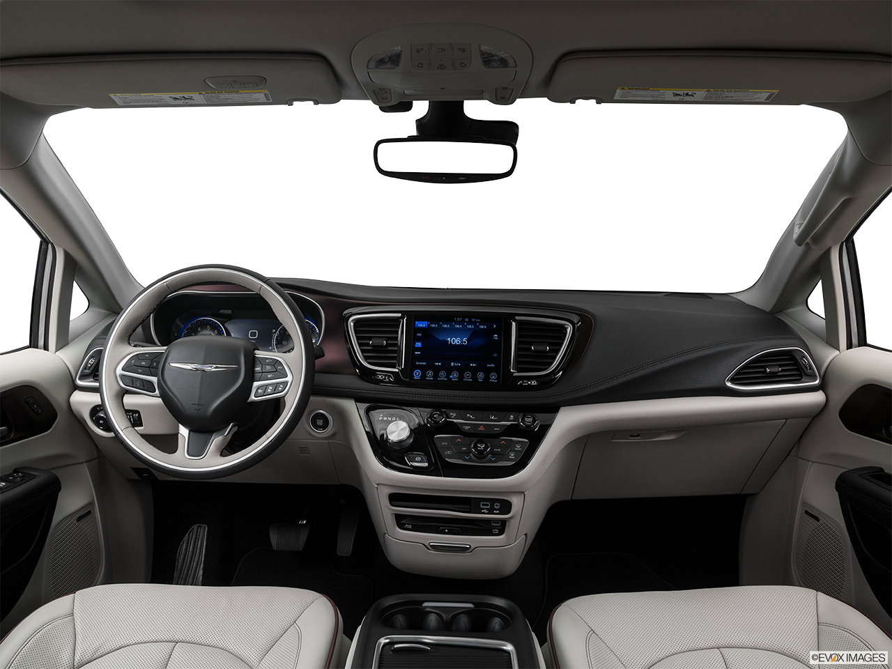 Interior View Of 2017 Chrysler Pacifica in La Mesa