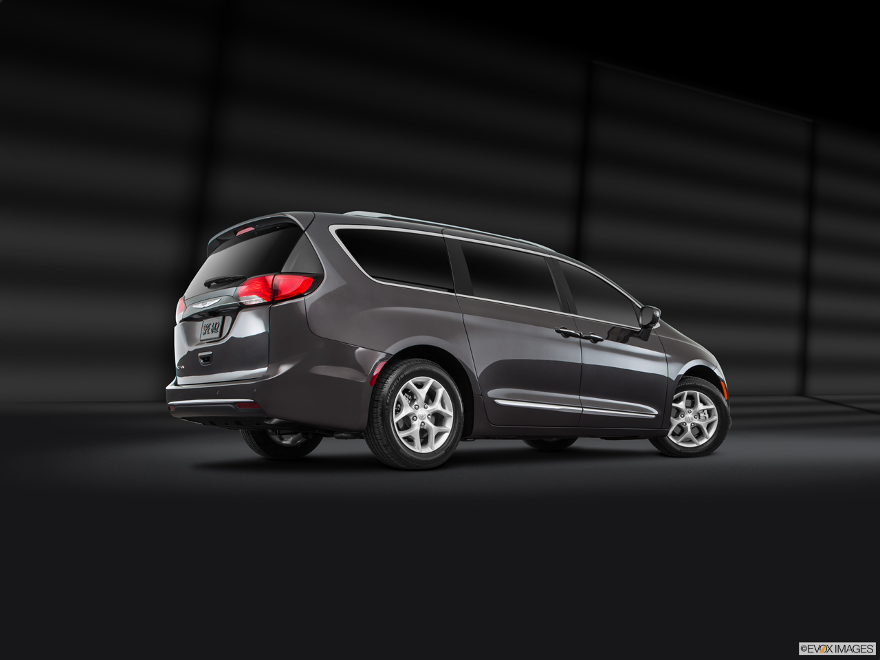 Exterior View Of 2017 Chrysler Pacifica in Cullman