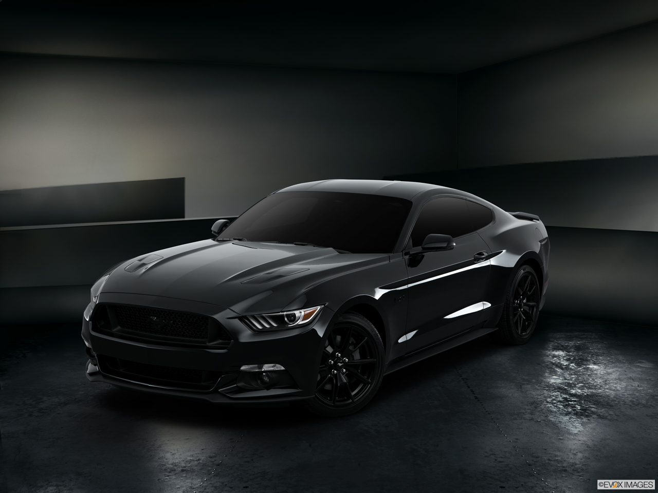 Exterior View Of 2017 Ford Mustang in Los Angeles