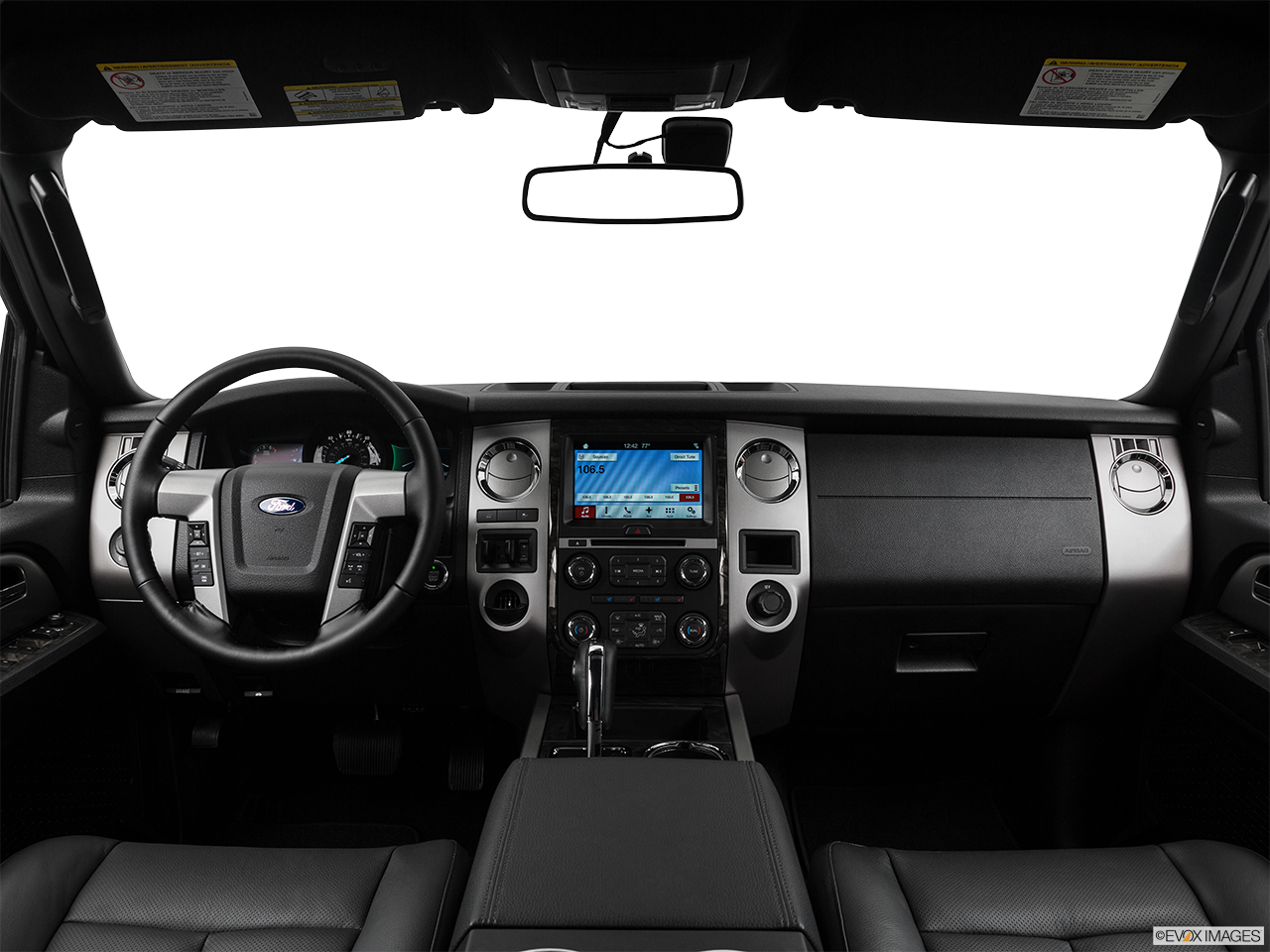 Interior View Of 2017 Ford Expedition in Los Angeles