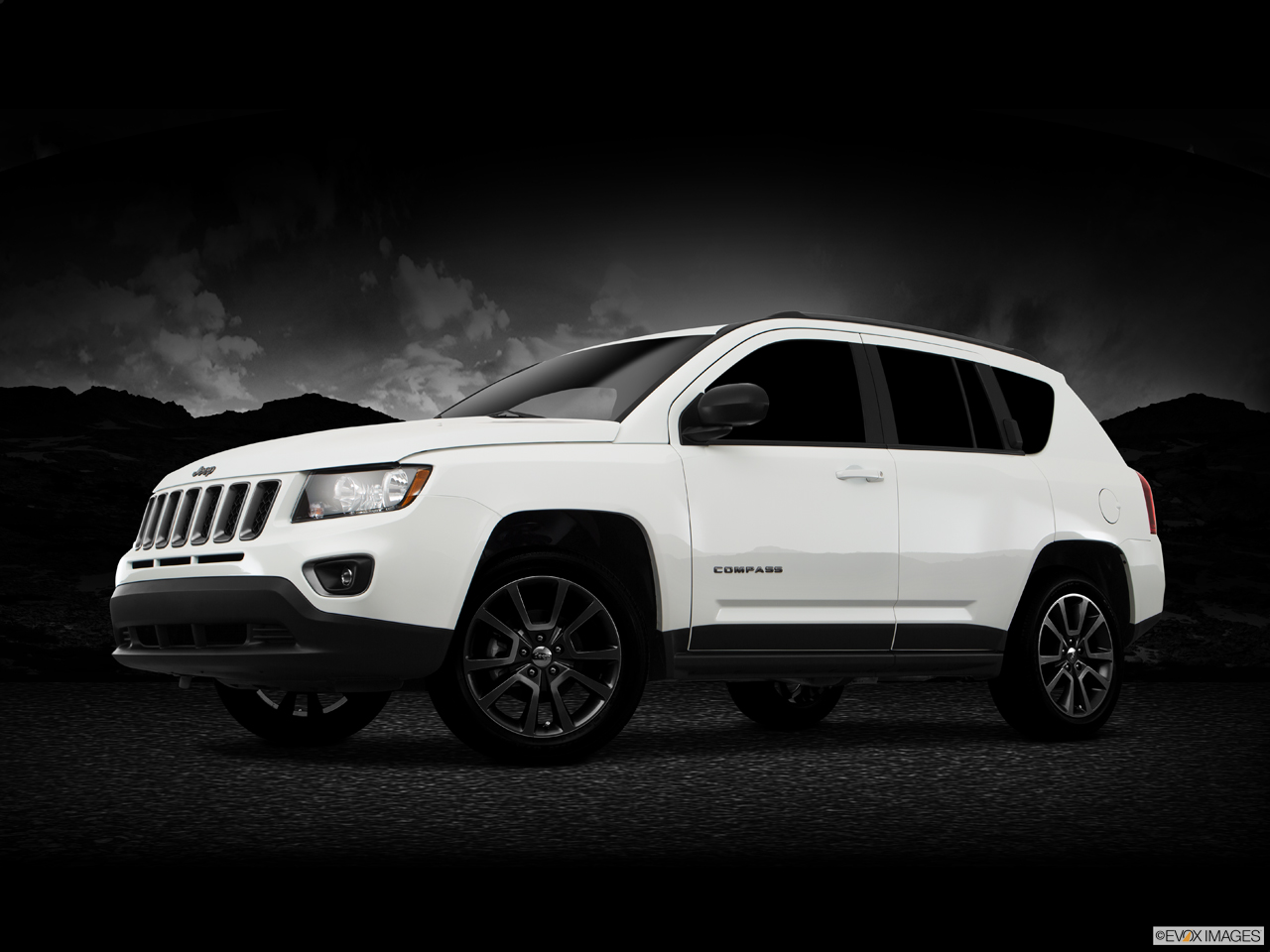 Exterior View Of 2017 Jeep Compass in Tamarac
