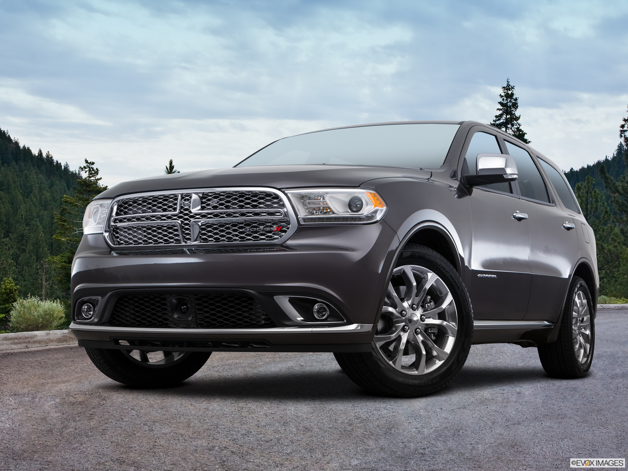 Exterior View Of 2017 Dodge Durango in Moreno Valley