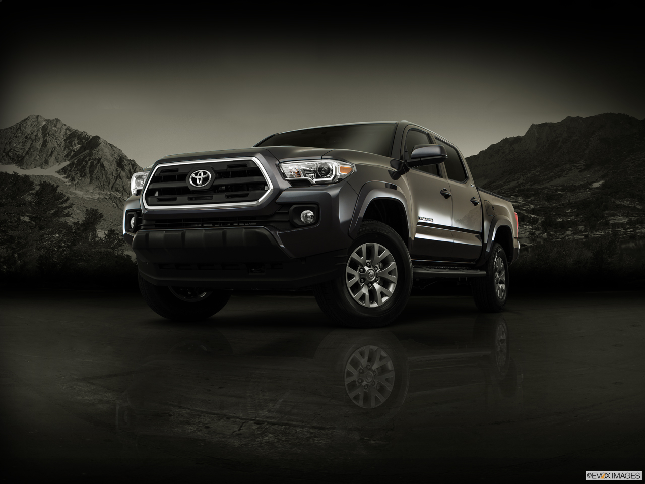 Exterior View Of 2017 Toyota Tacoma in Moreno Valley