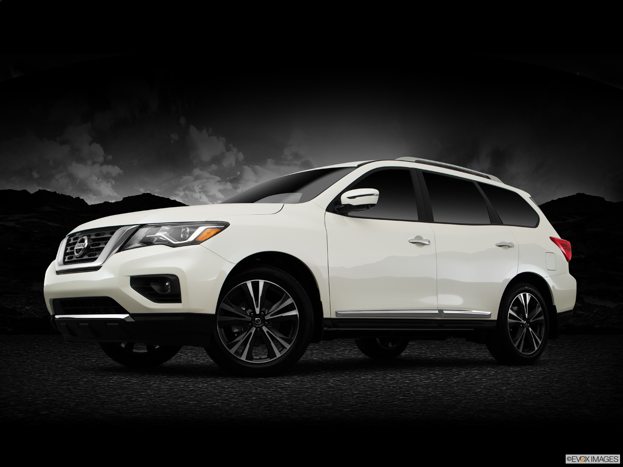 Exterior View Of 2017 Nissan Pathfinder® Inland Empire