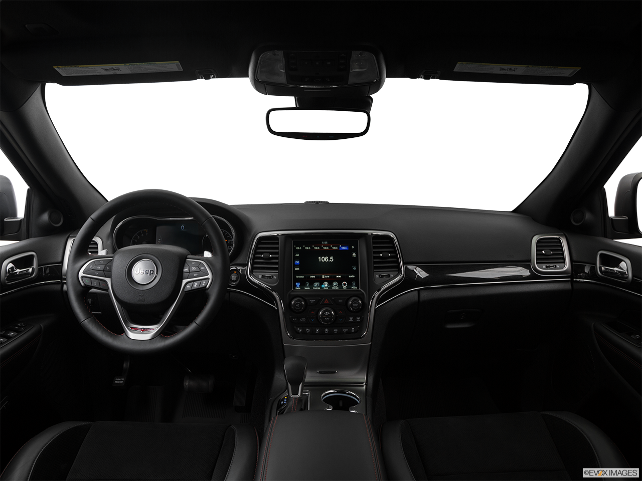 Interior View Of 2017 Jeep Grand Cherokee in Tracy