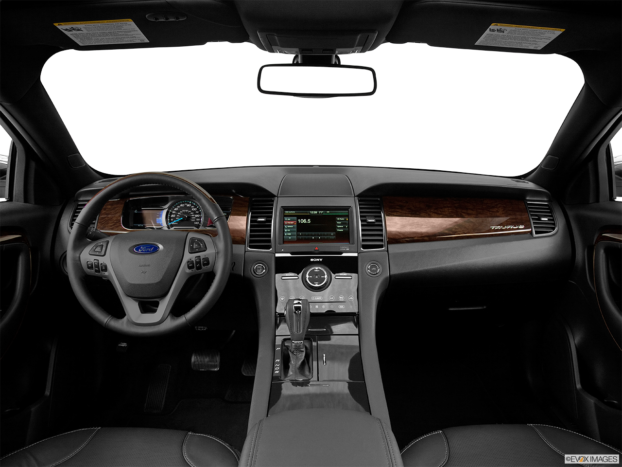 Interior View Of 2016 Ford Taurus in Kilgore