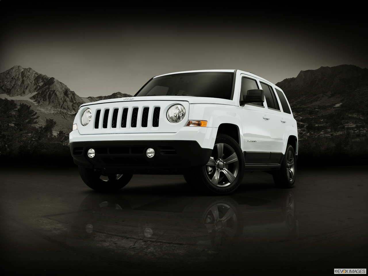 Exterior View Of 2015 Jeep Patriot in Huntington Beach