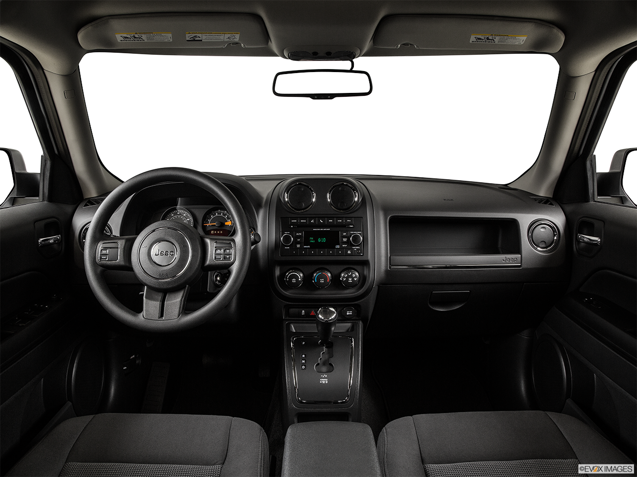 2017 jeep patriot comfortable interior features autos post. Black Bedroom Furniture Sets. Home Design Ideas