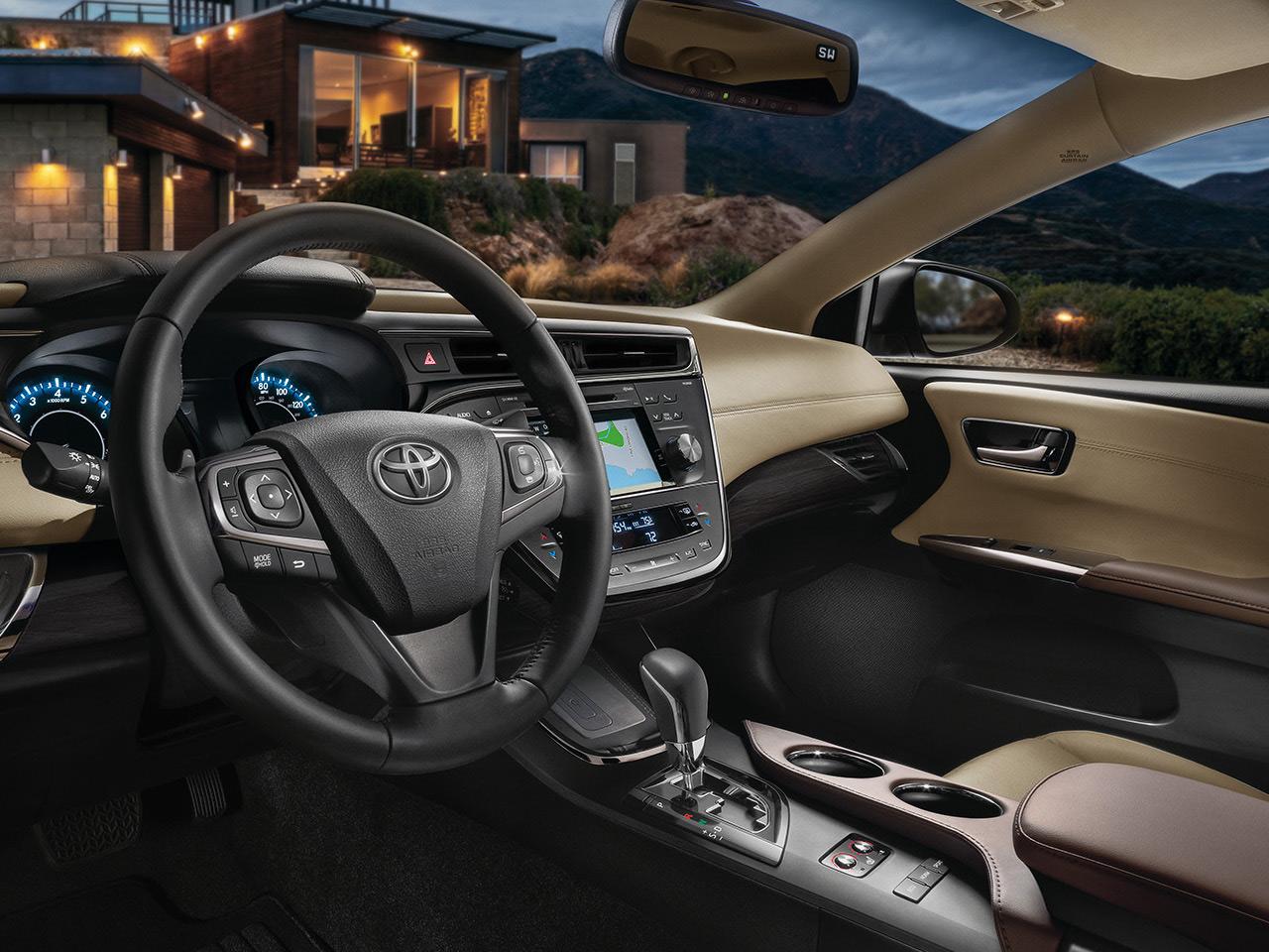 Interior View Of 2017 Toyota Avalon in Sacramento