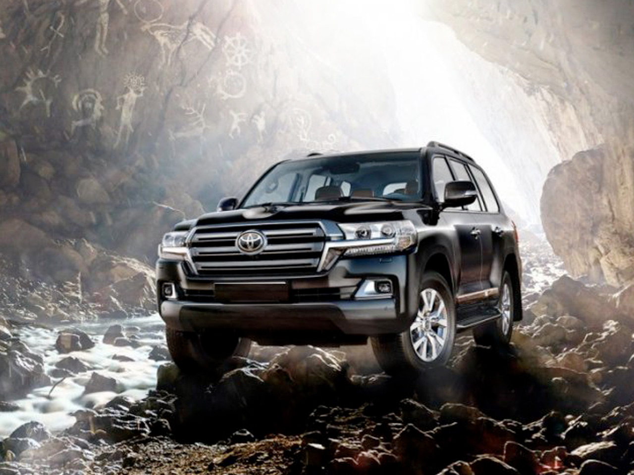 Exterior view of 2017 toyota land cruiser near san diego